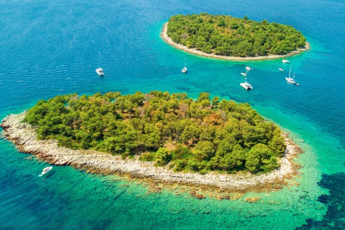 Private Blue Lagoon & Trogir, 3 Islands Half Day Tour