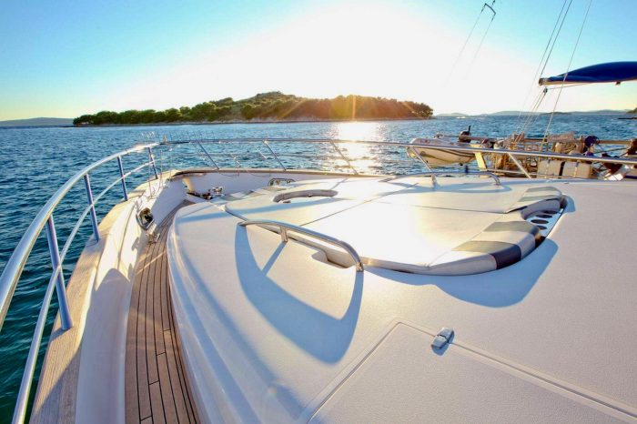 Private Yacht – half day tour SWIMMING BRAKE